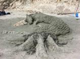 2008 Sand Sculpture Contest: Adult/Family Group Entry #01: Hippocampi, by Marielle Stern