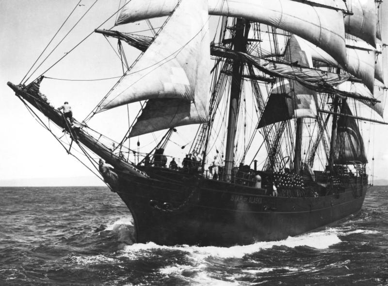 Star of Alaska (BALCLUTHA) under sail