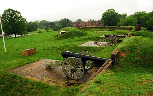 Earthworks and cannons at Fort Reno