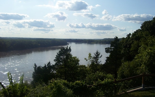 missouri river in rocheport, missouri