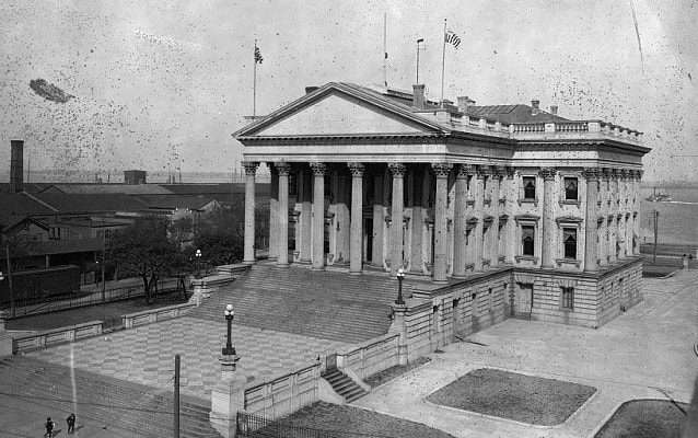Black and white photos of United States Custom House, between 1900-1920.