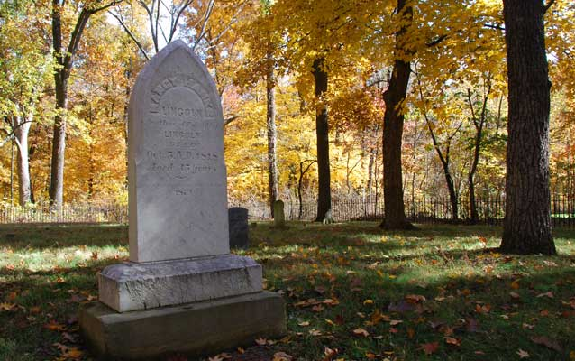Grave of Nancy Hanks Lincoln in the fall.