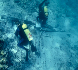 underwater archeologists