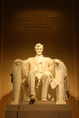 Marble statue of Abraham Lincoln