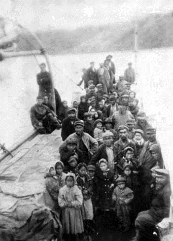 historical photo of a group of Katmai people