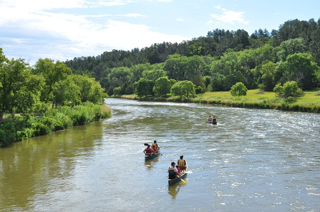 Several people canoeing on the Niobrara River