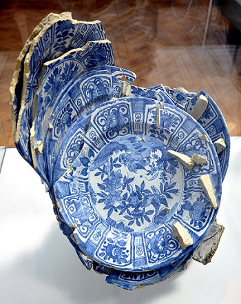 Delftware plates, similar to what was found at Denbigh Plantation