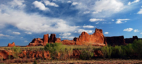 Courthouse Towers (Arches National Park)