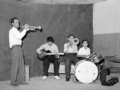 Spanish-American band in 1940