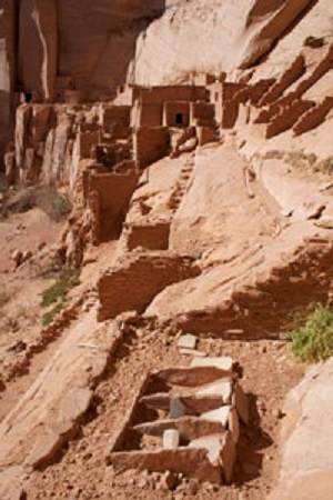 Betatakin Cliff Dwellings with grinding stone
