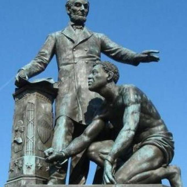 Photo of Emancipation Memorial, showing Abraham Lincoln freeing a slave
