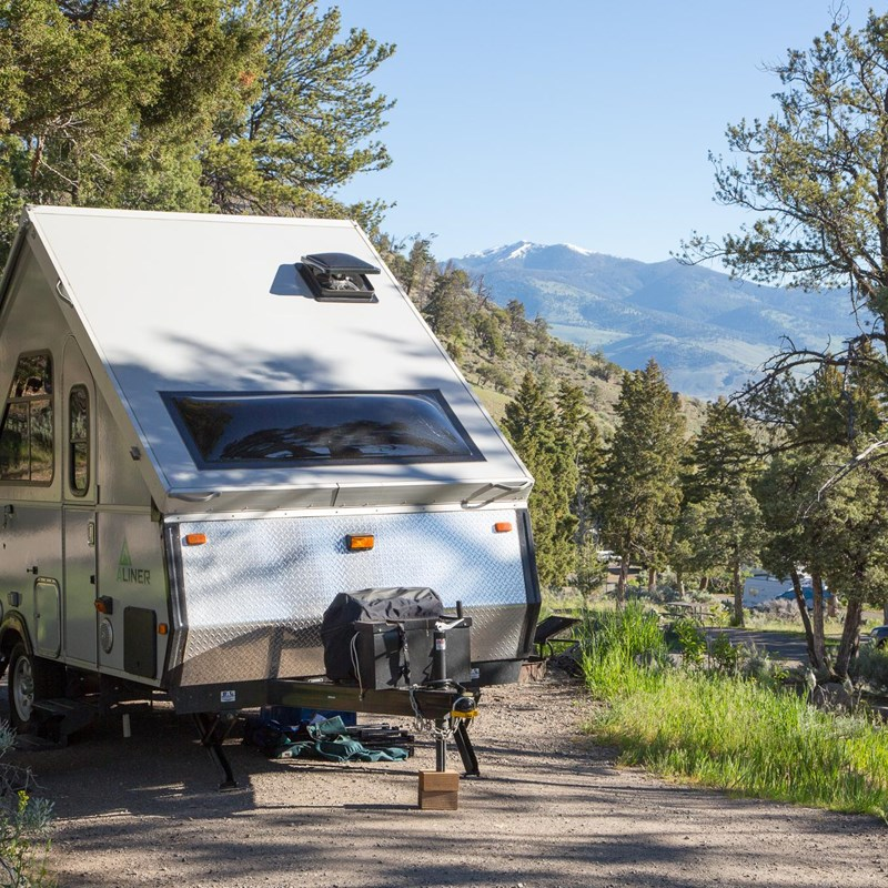 Pop-up camper in the Mammoth Hot Springs Campground
