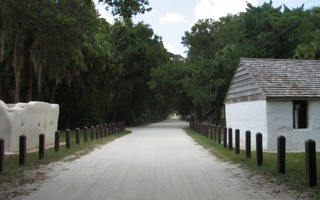 palmetto avenue road extending between slave cabins