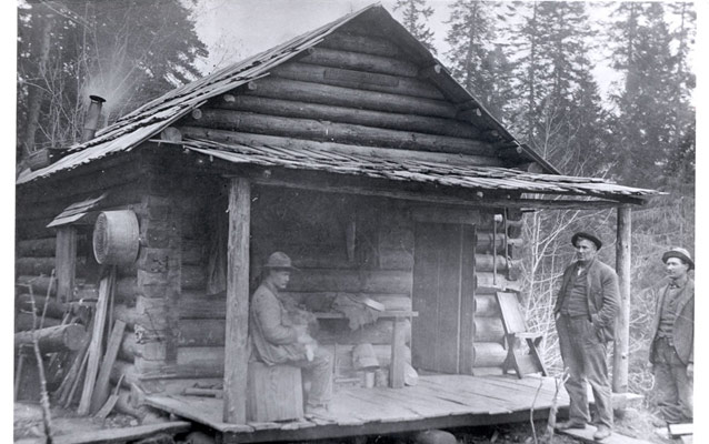 Homesteaders along the Elwha