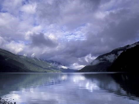 A cloudy day at Lake Crescent