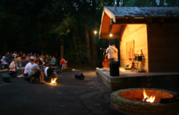 musicians performing at Wilderness Road Campground