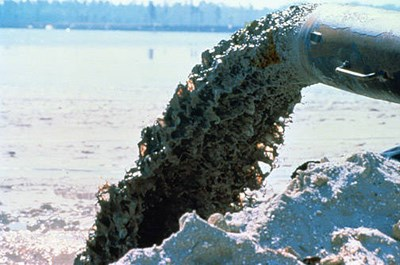 Dredge_Discharge_Pipe_US Fish Wildlife Service