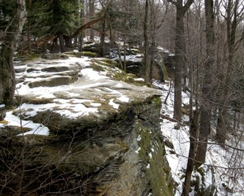 snow covered sandstone rock outcrops at the Ledges