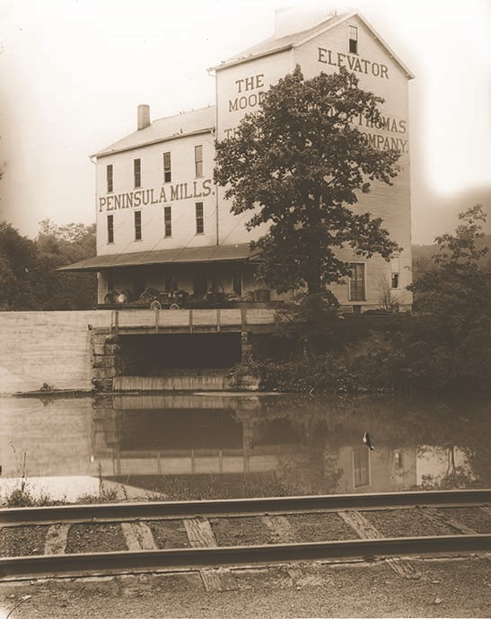 Thomas and Moody mill along the canal