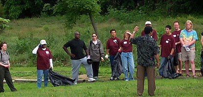 volunteers cleaning up fort dupont park