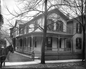 Wright family home at 7 Hawthorne Street in West Dayton.