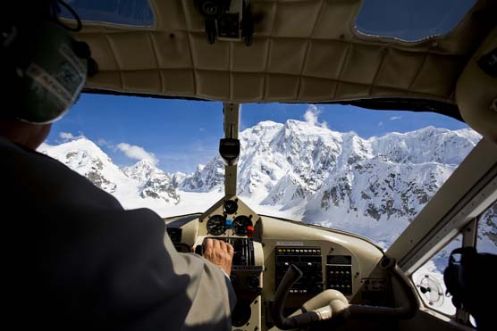 Flightseeing in the Alaska Range