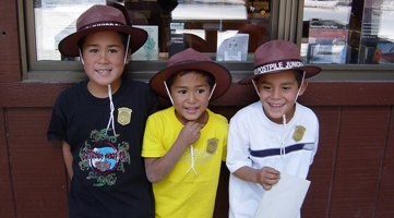 Junior Rangers in front of the ranger station