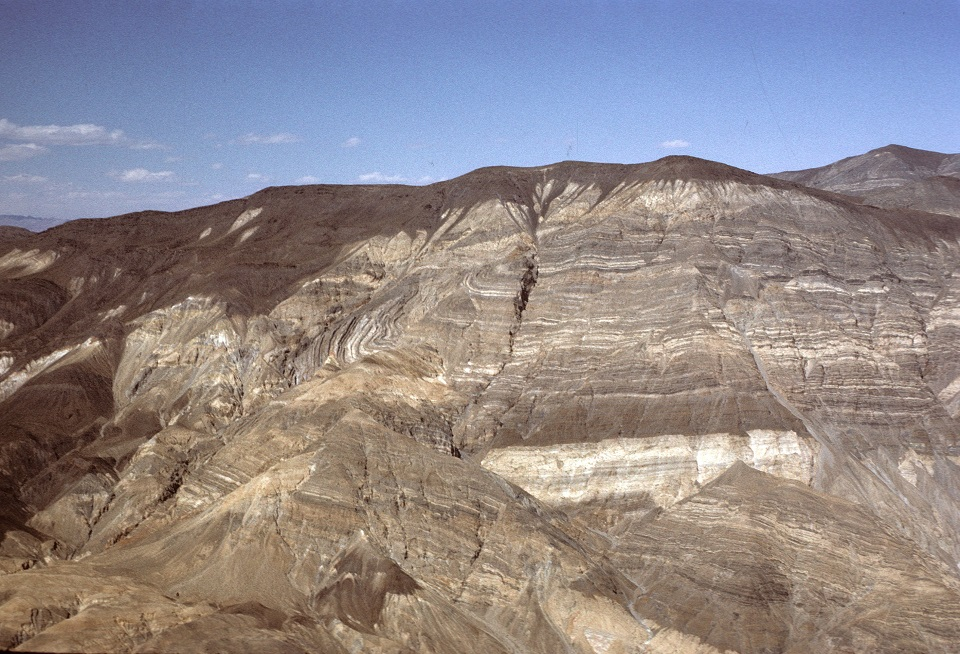 Panamint Butte has dramatically swooping layered rocks.