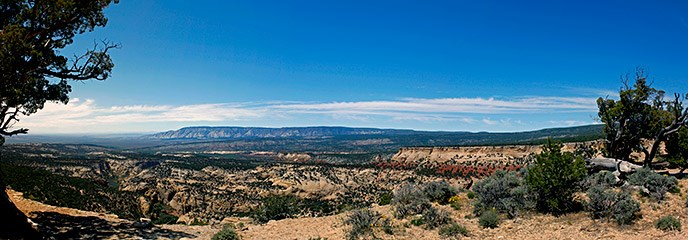 The view from the Plug Hat Butte Trail provides a sweeping panorama over surrounding canyons and the northern part of the Uintah Basin.