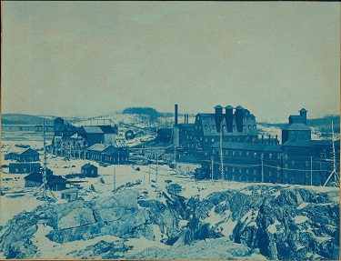 NEW JERSEY & PENNSYLVANIA CONCENTRATING WORKS, VIEWED FROM A DISTANCE. CA. 1895.