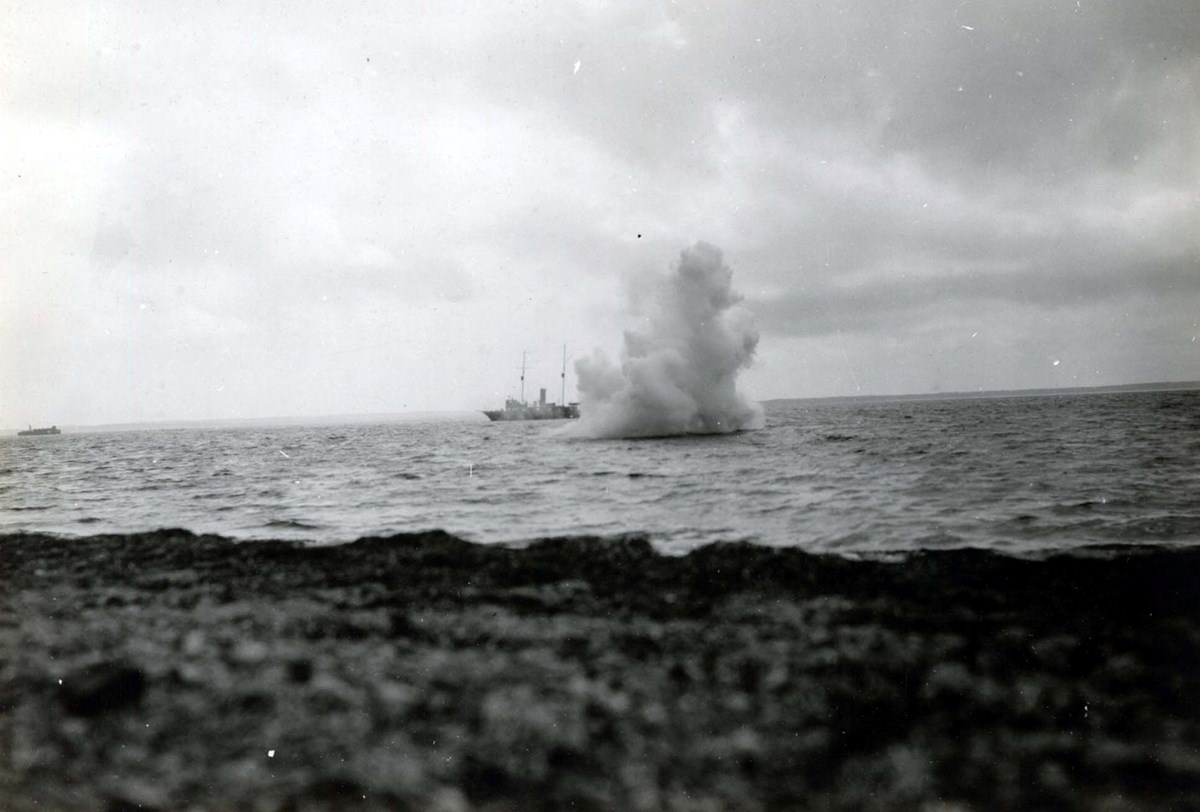 Smoke screen experiments conducted Edison on the Long Island Sound, August 1917