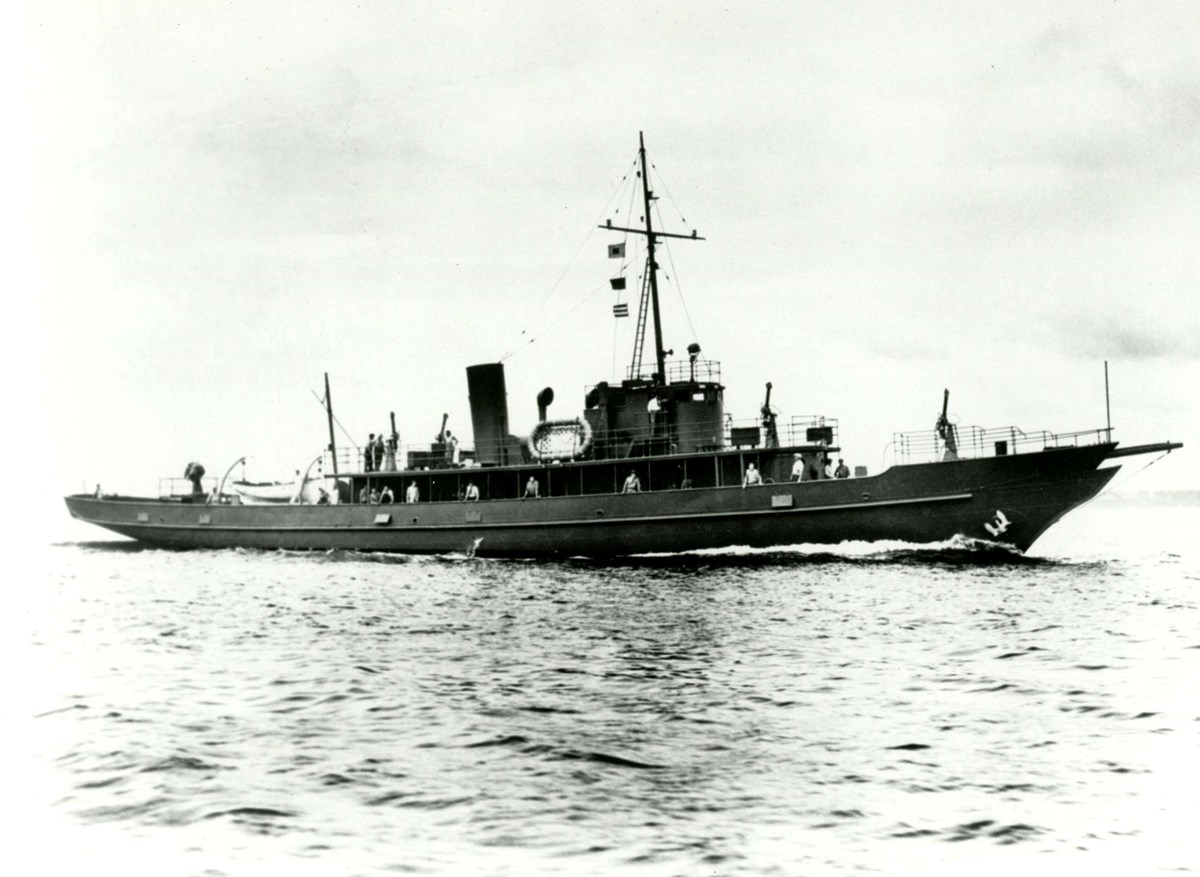 U.S.S. Sachem, a converted yacht used by Edison in 1917 for naval research