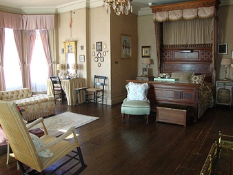 The Edisons' Bedroom in Glenmont.