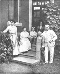 Thomas Edison and his family on the back porch of Glenmont.