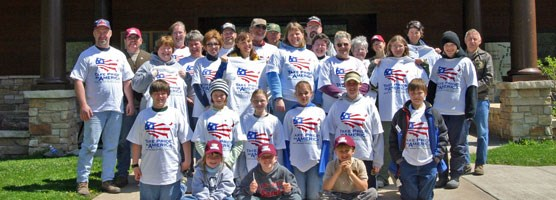 National Park Week / Earth Day Take Pride In America Volunteers at Effigy Mounds.