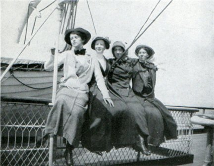 Anchor Steamship Passengers, circa 1912.(Gjenvick-Gjonvik Archives)