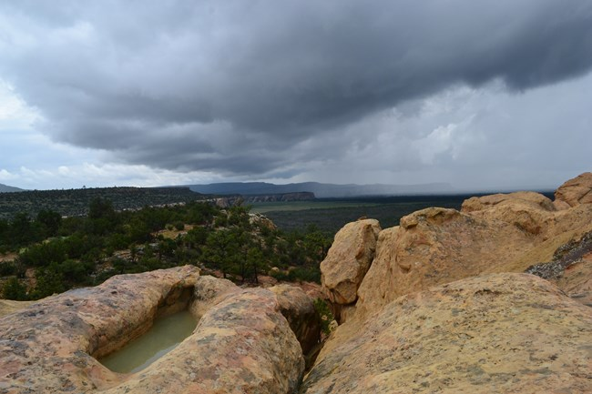A thunder storm at Sandstone Bluffs.