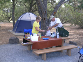 Image of campers at the El Morro campground