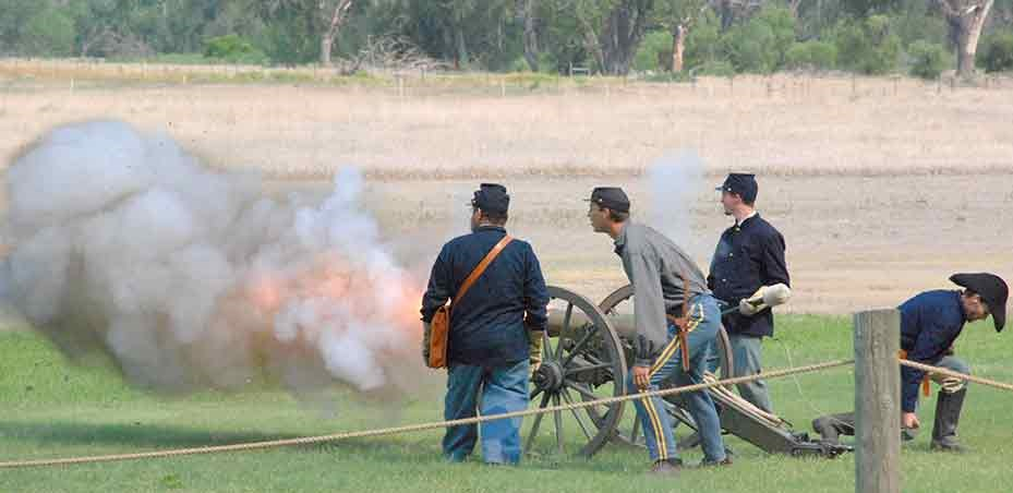 Living history 12#Mt Howitzer artillery demonstration at Fort Laramie.