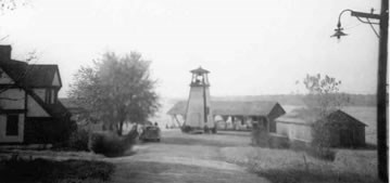 Historic image of Ft. Washington lighthouse.