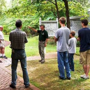 Volunteer leads guided walking tour on Chancellorsville Battlefield
