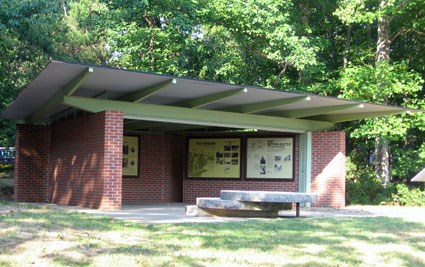 Exhibit shelter on Lee Hill