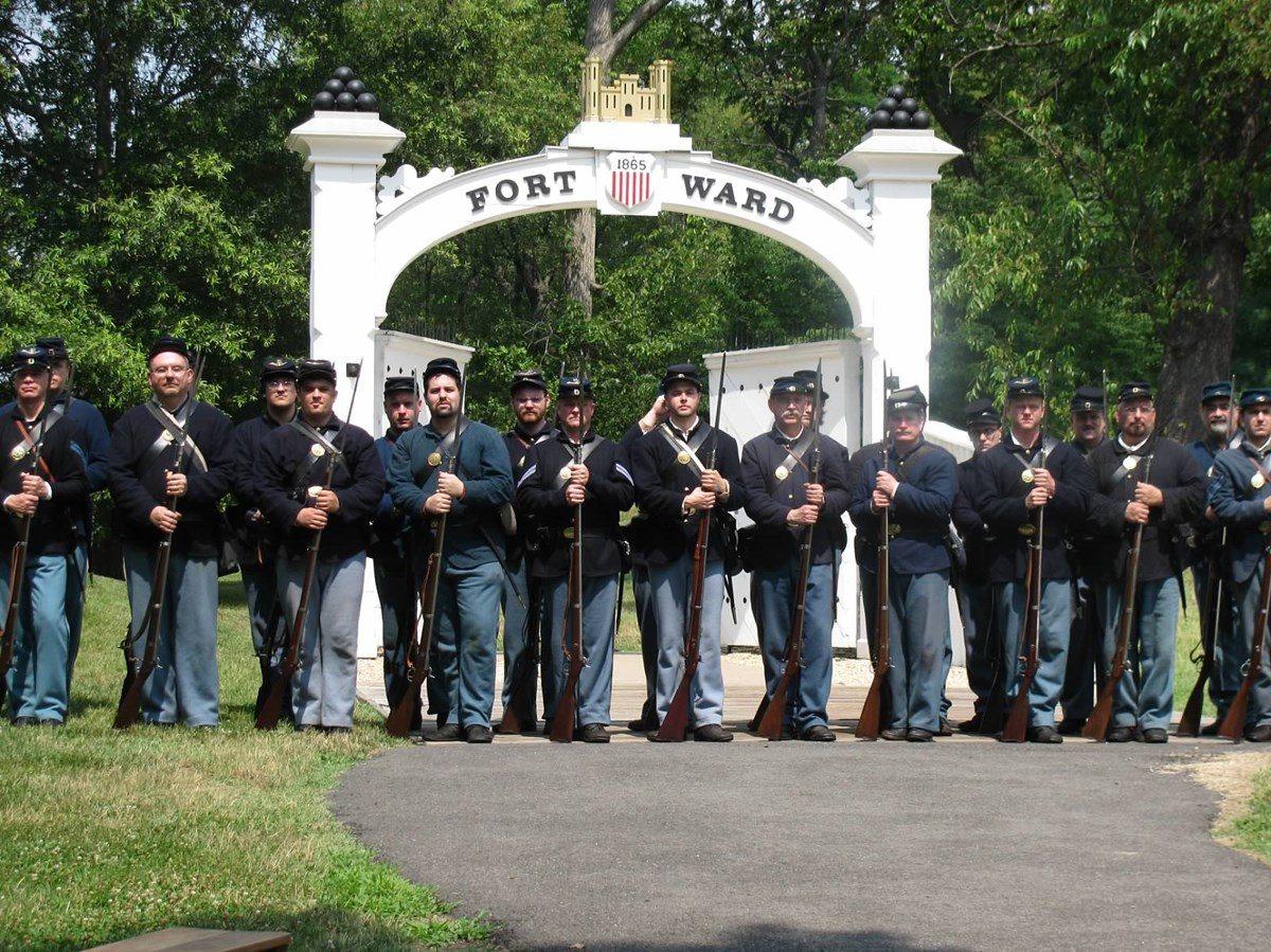 3rd US Regular Infantry posing outside the main gate at Fort Ward, VA