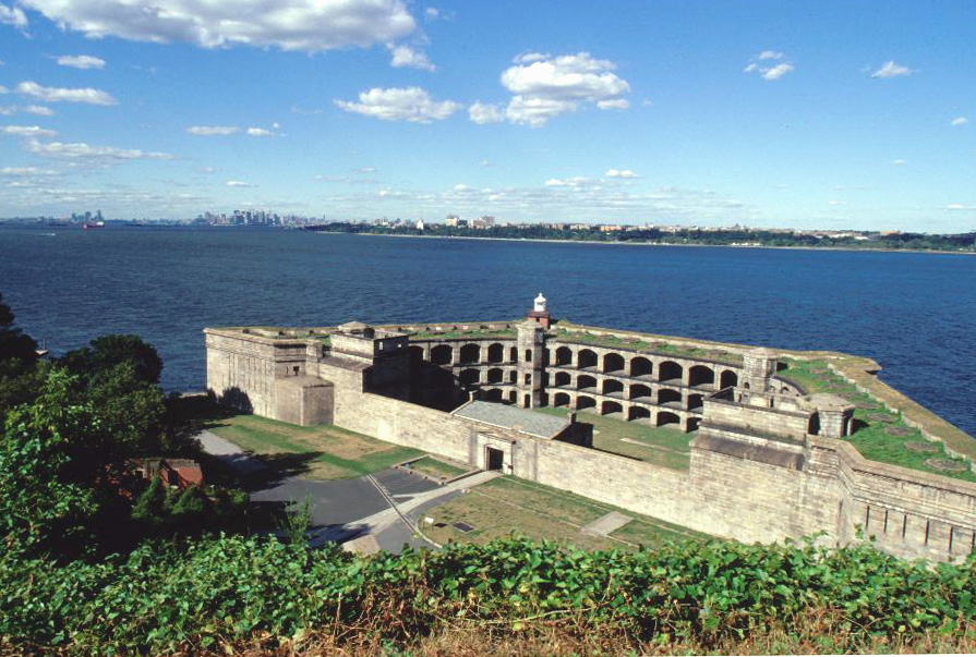 This year, festivities for Treasure Your Island will take placeat Fort Wadsworth, home of historic Battery Weed.