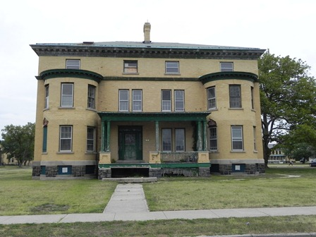 Building 27 is located within Fort Hanock National Historic Landmark District, a part of Gateway National Recreation Area