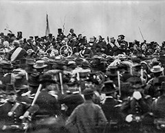 A picture of the crowd, dignitaries, and Abraham Lincoln during the Gettysburg Address on November 19, 1863.