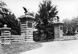 Entry to the park in 1900