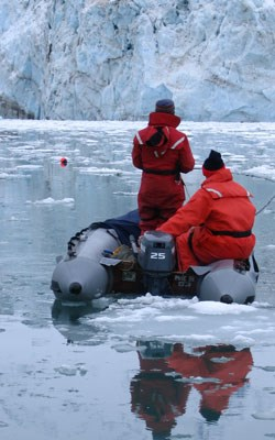 Researchers monitoring nets for harbor seals in Johns Hopkins Inlet.