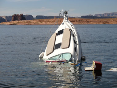 Face Canyon sinking boat