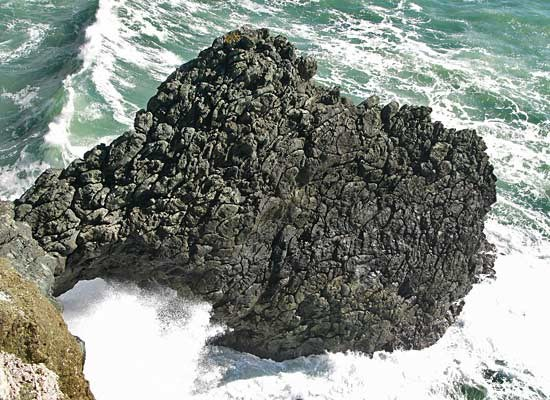 Pillow basalt at Point Bonita